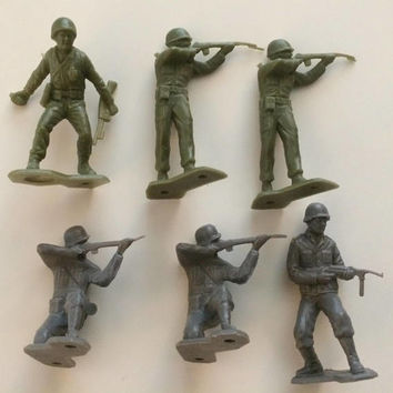 Toy Army Men and War Prop Scene - 9 Piece Set - Mid 1960's - Realistic Detail - Hard Molded Plastic - Allied and German Figures -