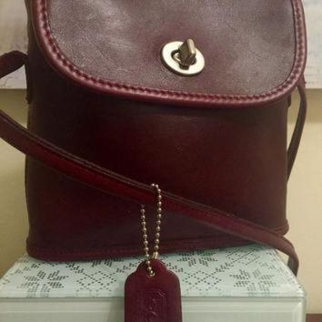 Gorgeous Vintage Authentic Coach Burgendy Wine Colored Shoulder Bag Usa Made Genuine - Beauty Ticks
