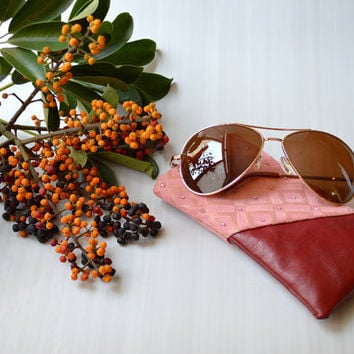 AURIGA 3 glasses case - Genuine leather with handmade beadworking for fabric.