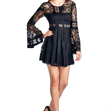 Women's Floral Pattern Lace Open Back Long Bell Sleeve Dress