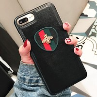 GUCCI Rhombus striped bees Popular logo striped bee iPhone7/8plus mobile phone case leather tiger iphone8 protection suite iXTwo Horizontal Green Black Bees.
