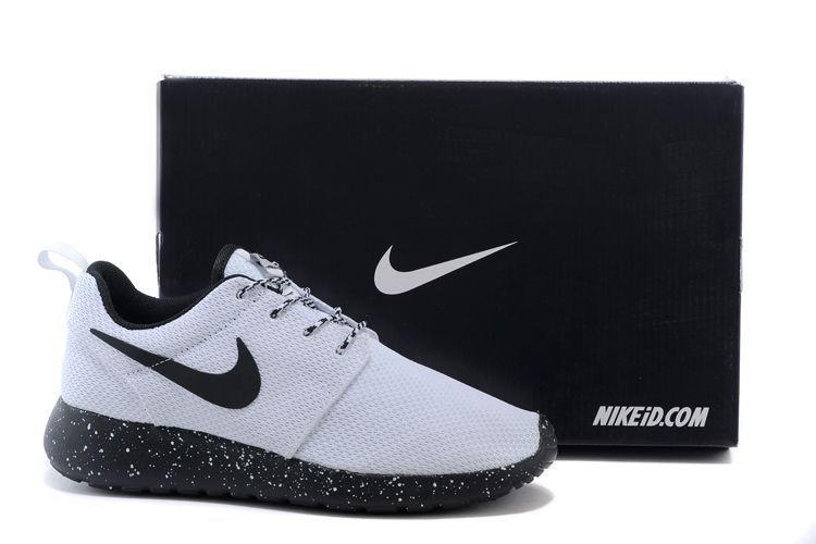 56193eb03fa4 n061 - Nike Roshe Run (Oreo Black White) from shopzaping.com