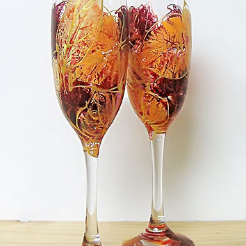 Wedding glasses- Autumn leaves. Hand painted. Personalized. Champagne glasses. Champagne Flutes. Set of 2.