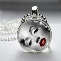 Photo Art Glass Bezel Pendant Marilyn Monroe Necklace