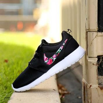 Custom Floral Roses Nike Roshe Run Shoes Fabric Pattern Men's Women's Birthday Present