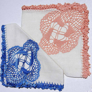 Set of Vintage Linen Handkerchiefs with Crochet Lace Edgings and Crocheted Medallion Insert, Wedding Handkerchiefs, Collectible Hankies