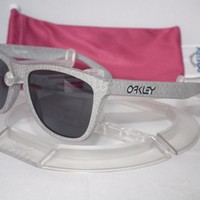 OAKLEY FROGSKINS SUNGLASSES OO9013-77 SMOKE / GREY High Grade Collection