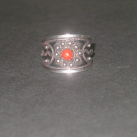 Vintage silver ring, real red coral ring, sterling silver ring, Berber ring, Tuareg Jewelry, Tribal ring, Gothic ring,