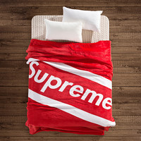 Supreme Blanket Spring / Autumn Fashion Blanket Soft Warm Throw Fleece  Blanket on the bed / sofa, 150*200cm