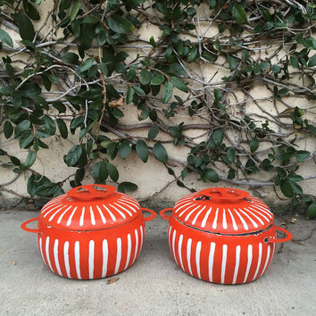 Vintage Enamel Pot Mid century Mod Cookware Vintage Enamelware Vintage Orange Enamel Dutch Oven Pot Enamel Dutch Oven pot Colourware Pot