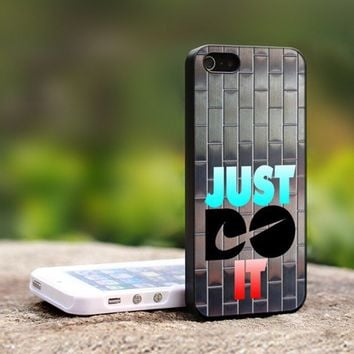 Nike Just Do It Metal Silver - For iPhone 5 Black Case Cover