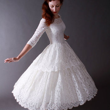 3-DAY SALE - Vintage 1950s Tea Length New Look Wedding Dress of Chantilly Lace
