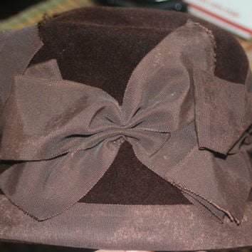 Vintage Pasadena Hat with ribbons,Peachbloom Velour