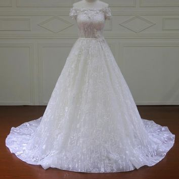Vintage A-Line Lace Wedding Dresses Strapless Off the Shoulder Sleeveless Court Train Button Back Bridal Gowns