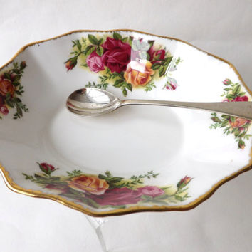 Royal Albert Old Country Roses Dish / Butter or Preserve Dish, English Fine China / Dresser Bowl / Country Cottage Chic / Female Gift