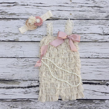 Baby girl outfit.Baby romper. First birthday outfit. Girls Lace Romper set- Cream lace Romper. baby picture outfit. Vintage baby romper