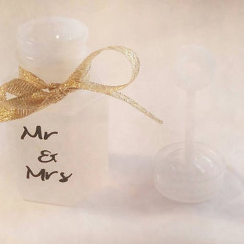 Personalized wedding bubbles-wedding favors-party favors-bubble favors-bubbles-mini bubbles
