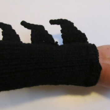 PATTERN: Batman Gauntlets/Bracers/Wrist warmers - Knit and crochet