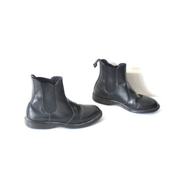 size 8 Dr Marten CHELSEA boots / 90s GRUNGE minimalist black leather slip on MILITARY style docs