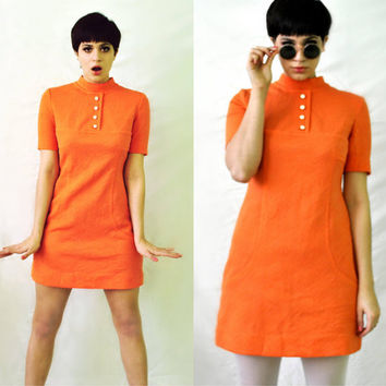 Vintage 60s Orange Mod Mini Dress / Textured Polyester Knit A-Line Short Sleeve Go-Go Shift / Women's Size Small Medium