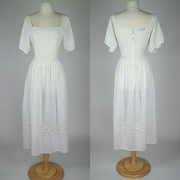 1980's white linen dress from Albert Nipon short sleeve w eyelet trim full skirt  long dress country prairie style wedding small size 6