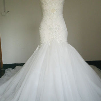 Spaghetti Straps Sweetheart Neckline Lace Mermaid Wedding Dress Chapel Train Bridal Gown with Tiny Pearls