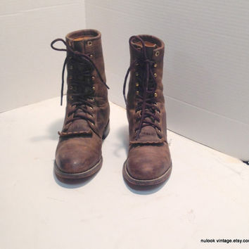 sz 7C vintage JUSTIN brown oiled leather  lace up granny combat boots