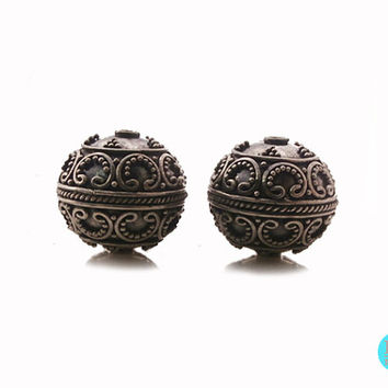 Two 925 Sterling Silver Bali Granulation Ball Beads, 15mm, 6.76 grams, Two Sterling Silver Wire Work and Granulation Beads handmade in Bali
