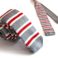 Gray Knit Tie with Red and White Stripes