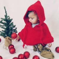 Red baby poncho. Chirstmas baby outfit. Santa baby.  Baby girl clothes. First Christmas photo prop. Newborn to 18 mon. Baby shower.