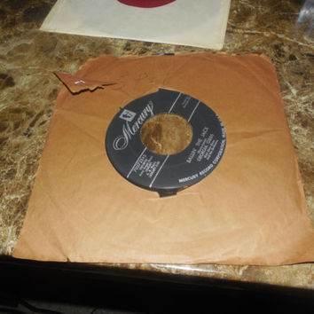 Vintage Vinyl Record 45 - Georgia Gibbs - Dance With Me Henry (Wallflower) - Ballin' The Jack - 1955