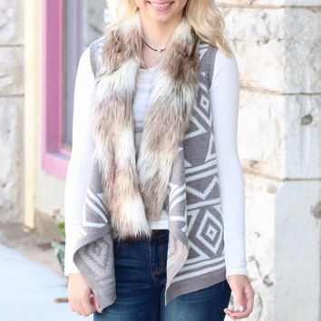 Fur Collar Aztec Print Sweater Vest {Grey+White}