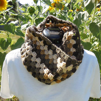 Textured Granny Cluster Cowl Scarf, Crochet Loop, Neck Warmer Scarf, Beachwood Stripes