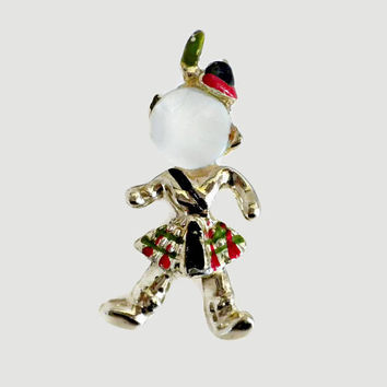 Scottish Brooch, Man With Red Green Kilt and Mother Of Pearl Shell Face, Human Figure Jewelry, Figural Brooch, Vintage Brooch