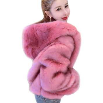 Warm Autumn Winter Faux Fox Fur Coats For Women Fashion Shorts Hooded Jackets Black Pink Fur Coats Female Streetwear