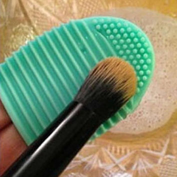 2Pcs Cleaning MakeUp Washing Brush Silica Glove Scrubber Board Cosmetic Clean Tools (Green)