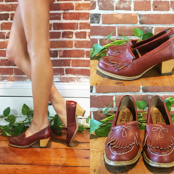 Vintage 1970s Western LOAFERS With Heels || Slip On Style || Rusty Red Brown Leather Vintage Turf Shoe Pumps ||  Ladies Size 7