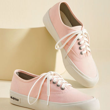 Can I Kickflip It? Sneaker in Rosewater