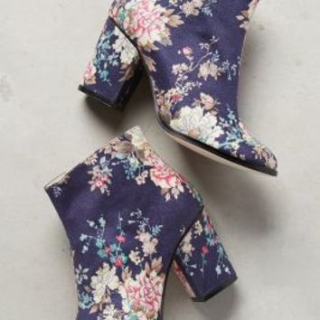 Billy Ella Matralia Booties in Blue Floral Size: