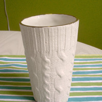 Ceramic cable-knit tall cup w/ 16K Gold edge