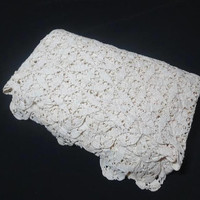 1960s Vintage Hand Crocheted Lace Tablecloth or Bed Coverlet in Ivory Cotton, 76 x 58, Vintage Table Linens, Vintage Hand Made Lace, Floral