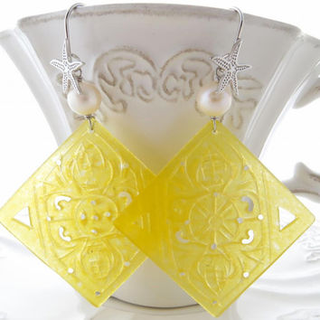 Carved yellow jade earrings, freshwater white pearl jewels,  sterling silver 925, burma gemstone jewelry, uk jewellery, made in italy