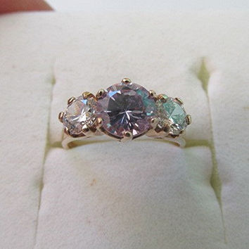 Vintage cubic zirconia 9ct gold ring trilogy three stone US size 5.75.