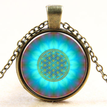 New Fashion Blue Flower Of Life Logo Pendant Chakra Necklace Sacred Geometry Jewelry Art Glass Cabochon Necklace Antique Bronze Plated