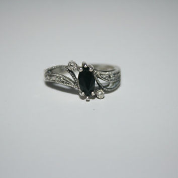 Size 7.25 Heirloom Diamond Cut Onyx black Vintage Sterling Silver Band Ring Size .25 - free ship US