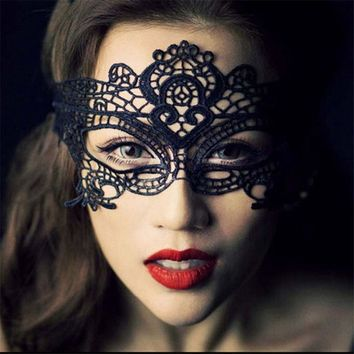 10pcs/pack Party Queen Black and White Butterfly Lace Mask Women Sexy Animal Masks Fascinating Funny Face Mask Masquerade Party