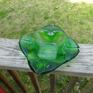 1950 Vintage Emerald Green Glass Heavy Ashtray, 7.25 x 7.25 Inches, Heavy Beautiful Green Glass, Forest Green, Vintage Home Decorating