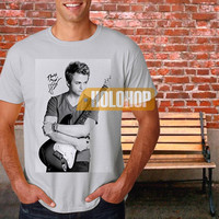 hunter hayes signature T-shirt by HOLOHOP