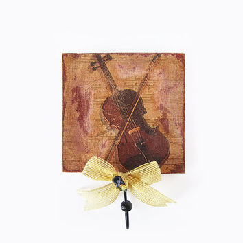 The Old Violin. Wooden decorative hanger. Shabby chic / Vintage music home decor. Decoupage Key holder. Brown Fall decor. Wall hanging.