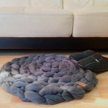 Super chunky rug. GIANT Throw.Color Storm. Super bulky Merino Wool. Extreme crochet circular rug by WoolWow! Choose from 70 colors